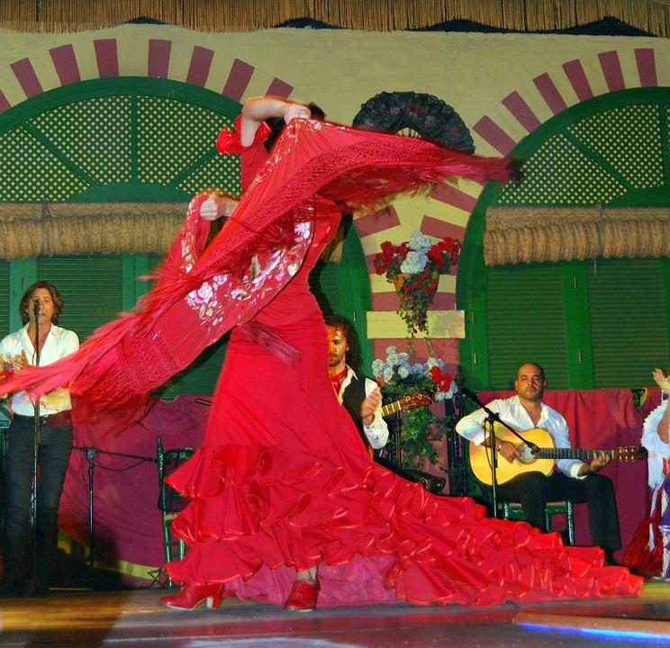 Sevillana : danse populaire d'espagne