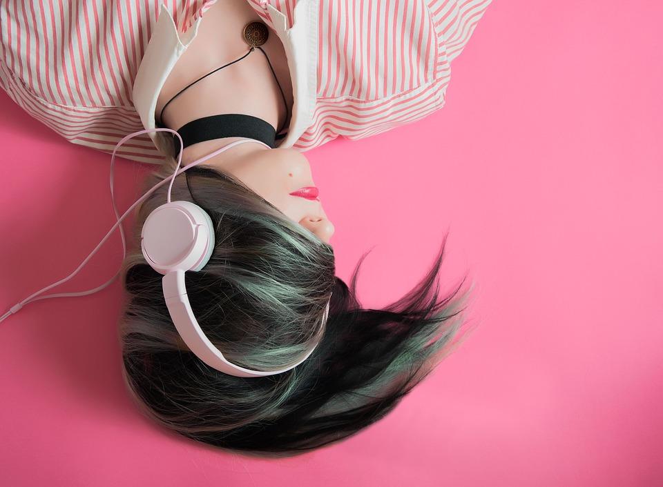 Comment faire la différence entre musique populaire et musique élitiste ?